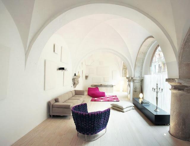 acasa-in-manastire