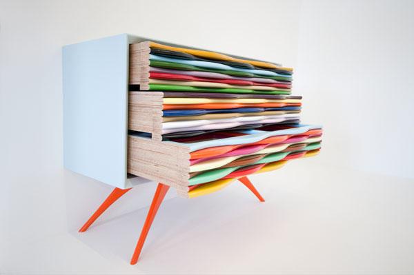 mobilier-in-zeci-de-culori