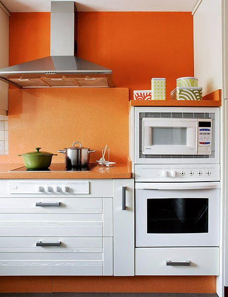 bucatarie-amenajata-in-portocaliu