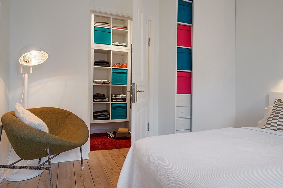 amenajari, interioare, decoratiuni, decor, design interior, apartament 2 camere, spatii mici, scandinav, culoare, dormitor, dulap, depozitare