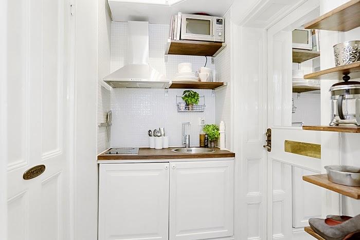 amenajari, interioare, decoratiuni, decor, design interior, garsoniera, alb, bucatarie mica,