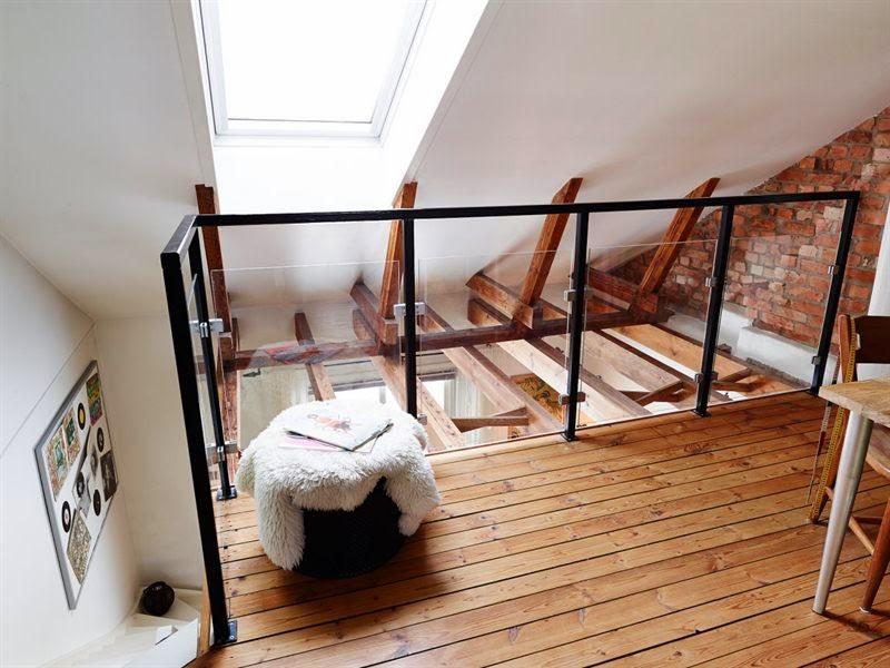 amenajari, interioare, decoratiuni, decor, design interior, duplex, scandinav, mansarda, pereti de caramida, grinzi, dormitor