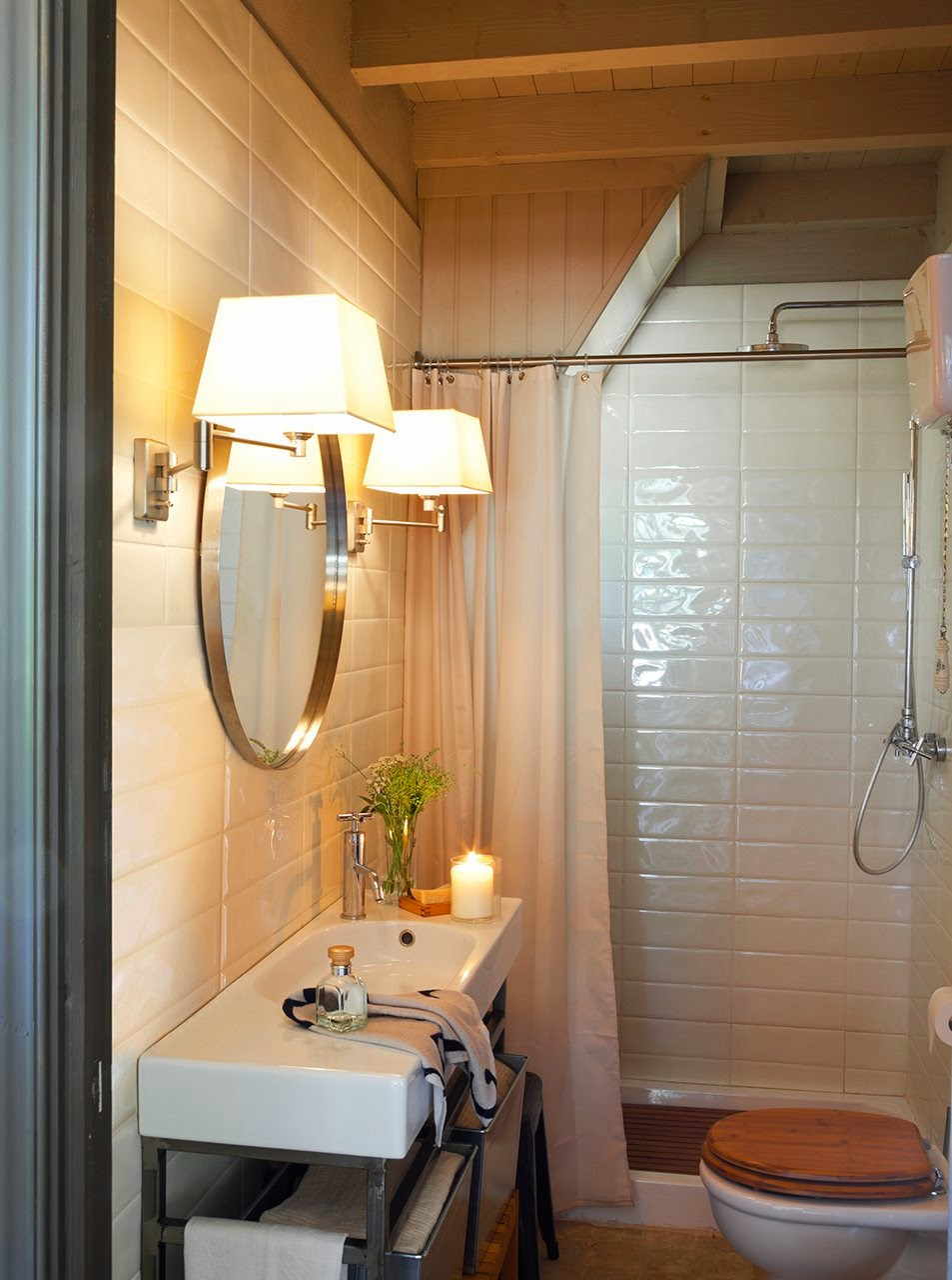 amenajari, interioare, decoratiuni, decor, design interior, stil rustic, reconversie, zid de piatra, baie,
