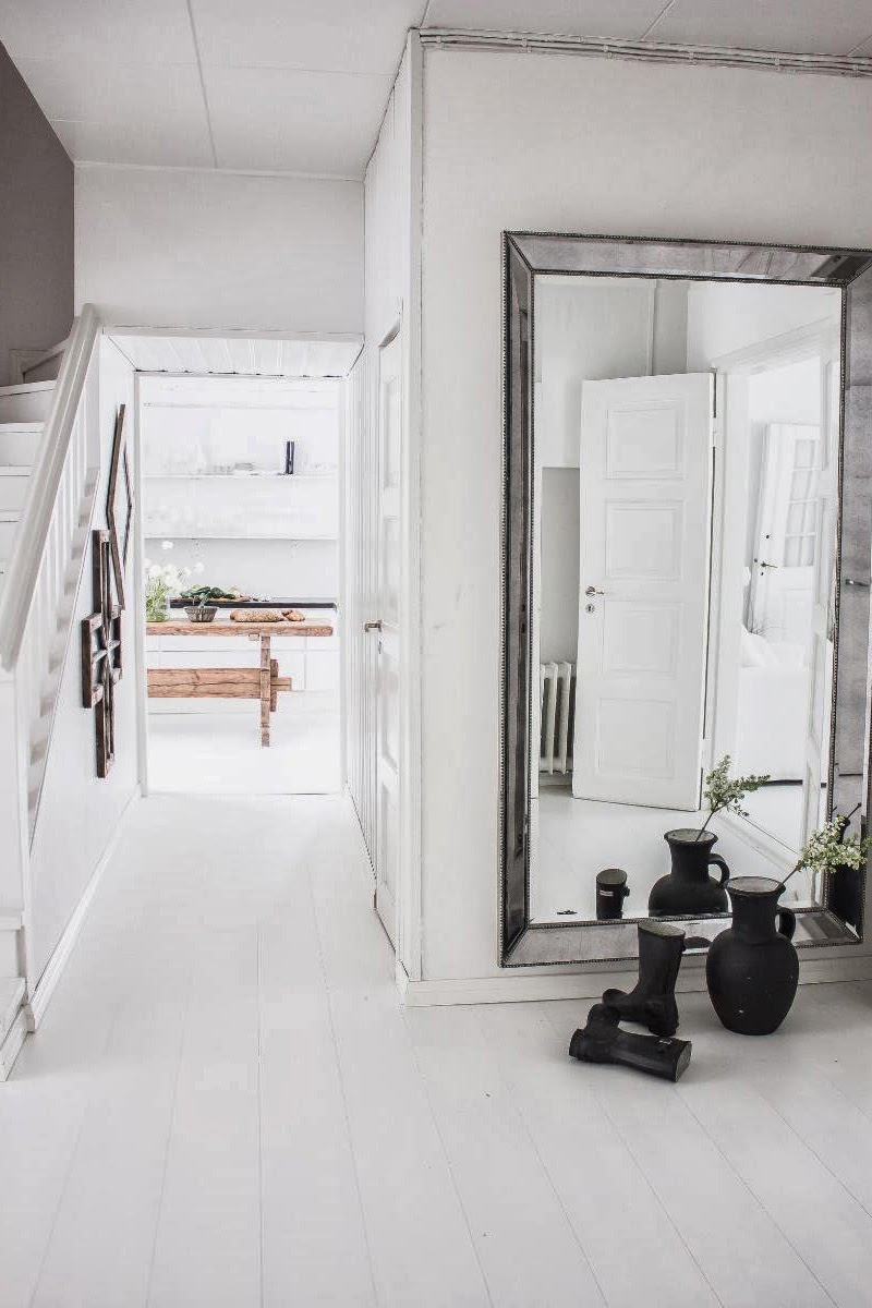 amenajari, interioare, decoratiuni, decor, design interior, shabby chic, scandinav, alb, rustic, hol, oglinda