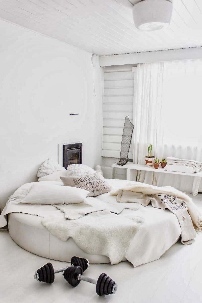 amenajari, interioare, decoratiuni, decor, design interior, shabby chic, scandinav, alb, rustic, dormitor, pat rotund