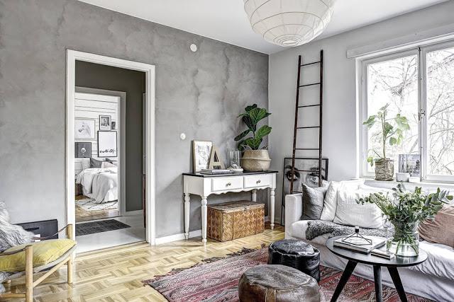 Accente de gri și atmosferă primitoare într-un apartament de 2 camere