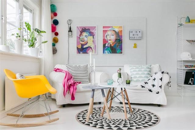 Culori vesele și tari într-o casă din Suedia