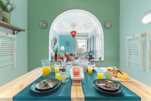 Albastru, turcoaz și colar într-un apartament vesel din Lisabona