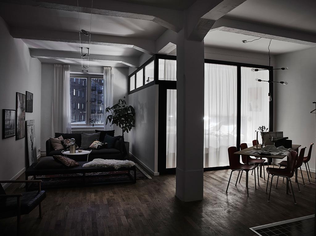 Dormitor cu perete de sticlă într-un apartament de 87 m²