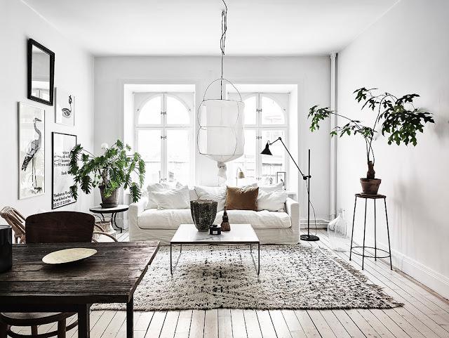 Alb, vintage, personalitate și stil în amenajarea unui apartament de 68 m²