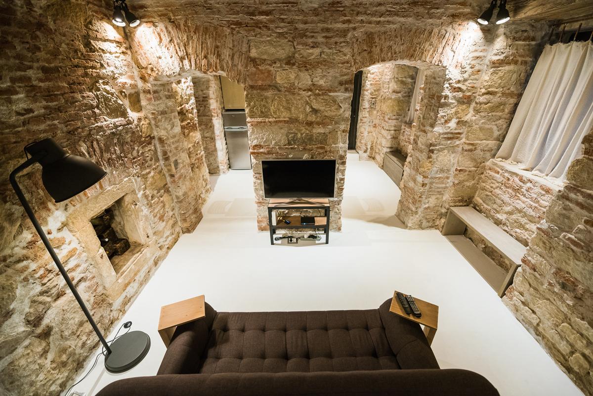 Renovare completă într-un apartament dintr-o clădire monument istoric din Cluj