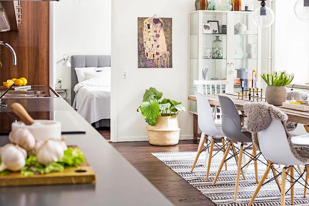 Amenajare scandinavă într-un apartament de 3 camere tip vagon