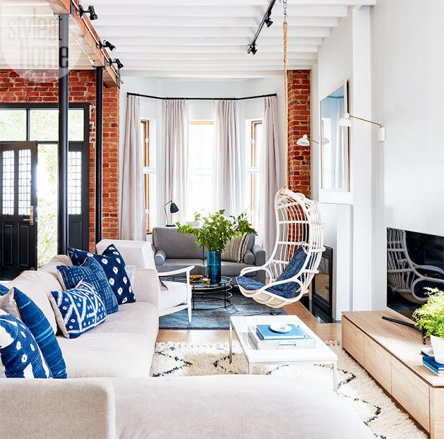 Cărămidă expusă și decor modern într-o casă din Toronto