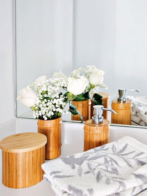 accesorii de baie din lemn