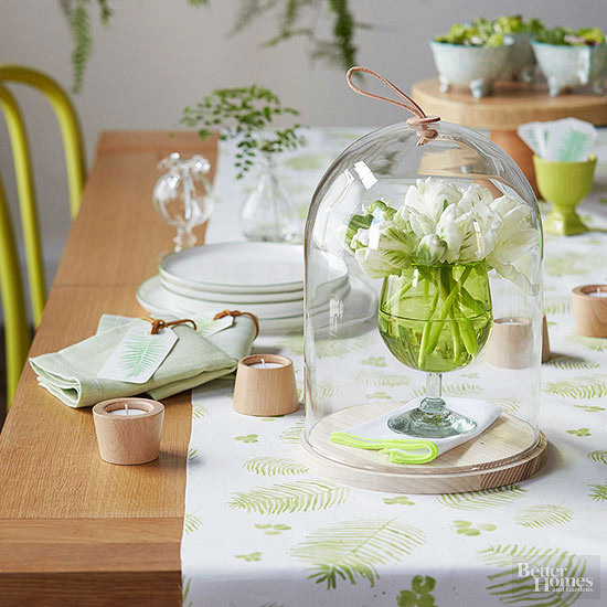 flori pe masa de paste