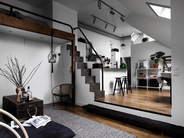 Amenajare boemă și industrială, pe mai multe niveluri, într-o garsonieră de 45 m² dintr-o mansardă suedeză