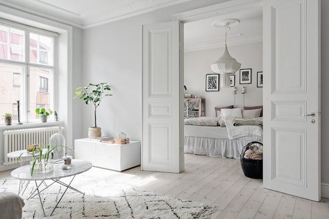 Bej, crem și accente subtile pastelate într-un apartament de 106 m²