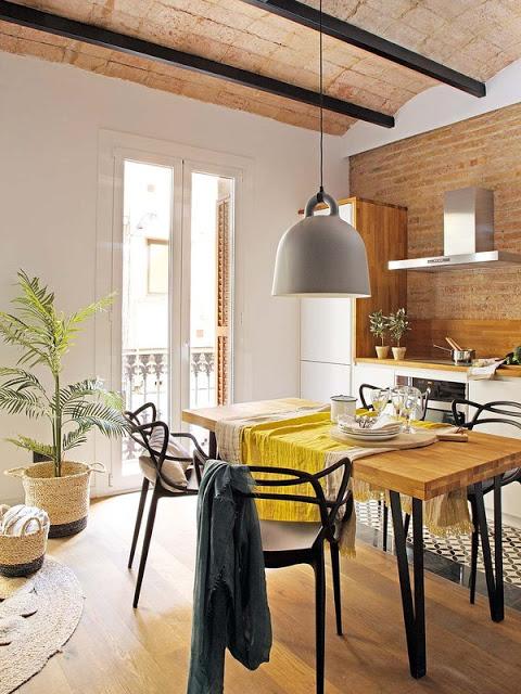Culoare și multă personalitate în amenajarea unui apartament de numai 40 m² din Barcelona