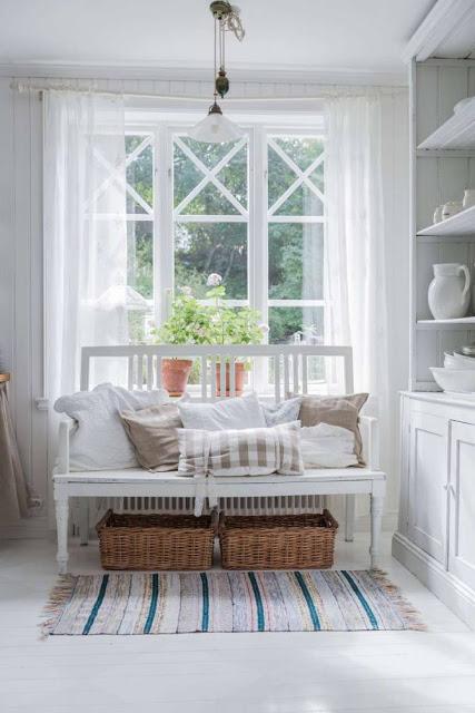 Rustic scandinav cu accente shabby chic într-o casă din Sollefteå, Suedia