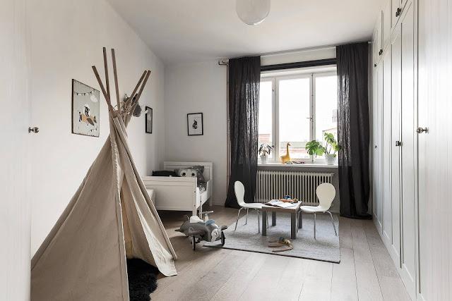 camera copil cu cort