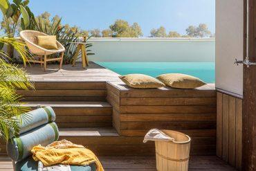 galben-ocru-verde-si-lemn-de-stejar-in-decor-casa-barcelona