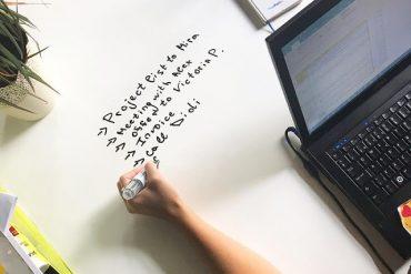 concurs-castiga-4-mp-de-vopsea-escreo-pe-care-poti-scrie-desena-sterge