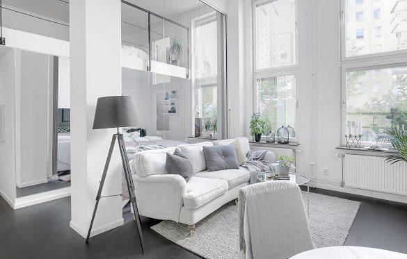 Două dormitoare, plan deschis și alb imaculat într-un apartament de numai 41 m²