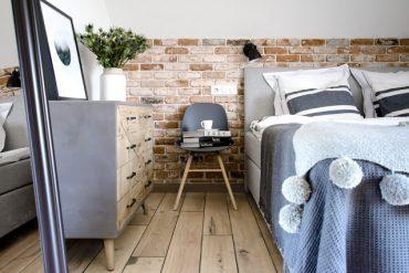 lemn-caramida-expusa-si-un-decor-scandinav-modern-casa-polonia