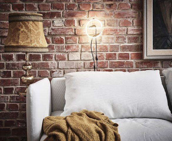 caramida-expusa-plan-deschis-si-dormitor-negru-apartament-47-mp