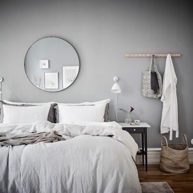 dormitor cu pereti gri