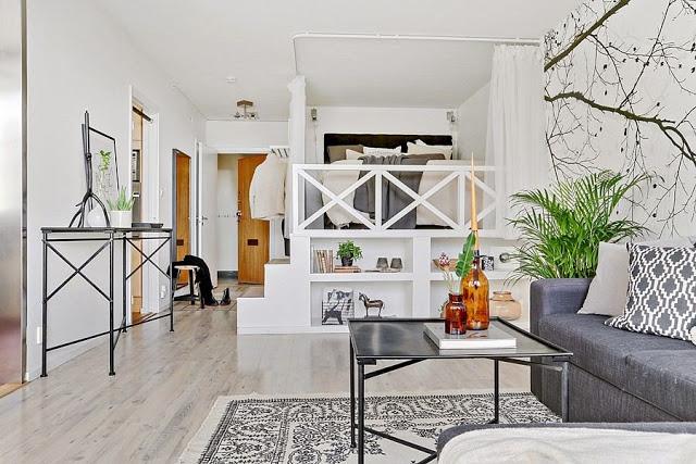Niveluri diferite între living și dormitor într-o garsonieră de 45 m²