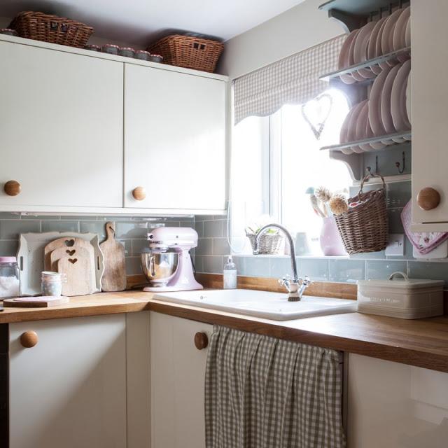 Rustic în tonuri pastelate de culoare într-o casă din Cambridge