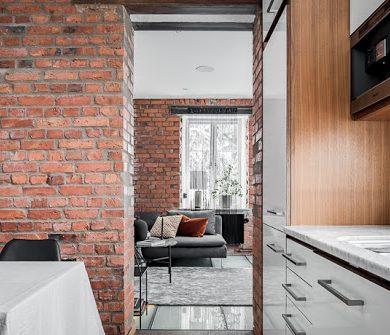 dormitor-la-subsol-si-caramida-expusa-apartament-doua-niveluri-stockho