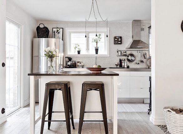 Rustic scandinav cu accente industriale în amenajarea unei case din Suedia