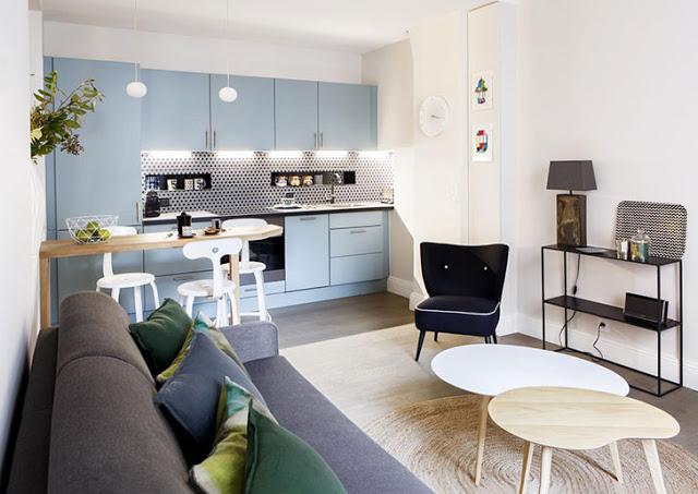 Accente proaspete de albastru într-un apartament din Paris