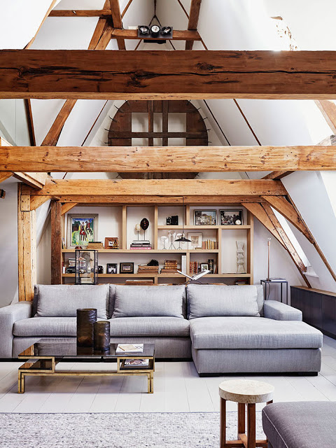 grinzi-de-lemn-expuse-intr-un-pod-reconditionat-cladire-istoria-amsterda