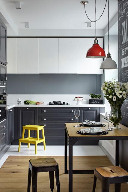 lemn-metal-brut-caramida-expusa-si-accente-inedite-apartament-moscova
