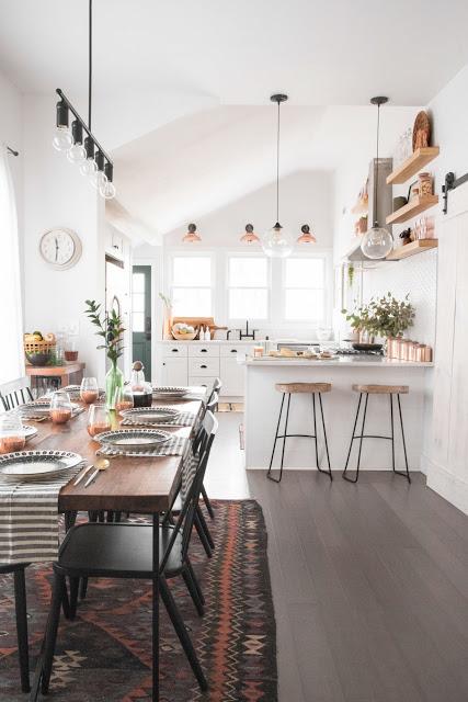 Amenajare scandinavă cu accente rustice într-o casă din Milwaukee