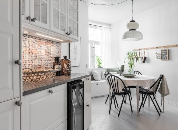culori-neutre-si-instrumente-muzicale-decor-apartament-suedia