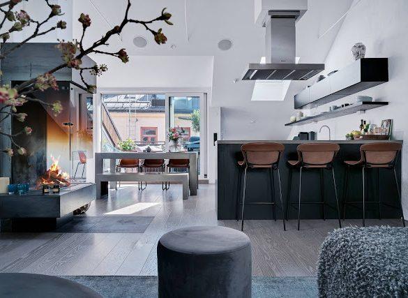 un-balcon-spatios-si-amenajare-in-plan-deschis-mansarda-70-mp-suedia