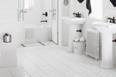 baterii-sanitare-si-accesorii-negre-pentru-baie-moderna
