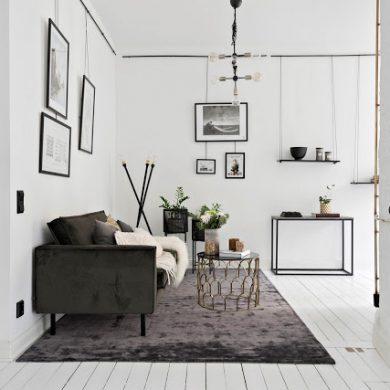 amenajare-cu-casa-scarilor-in-mijlocul-bucatariei-livingului