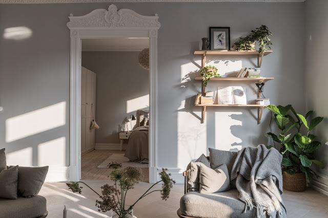 Accente naturale de culoare și decor relaxat într-un apartament de 3 camere din Suedia
