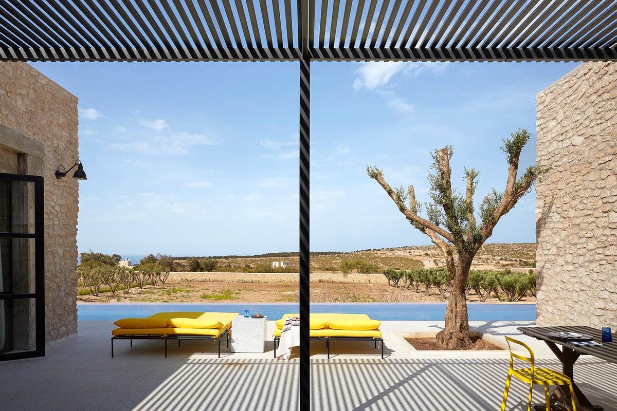 Rustic contemporan într-o vilă de la marginea deșertului, Maroc 12