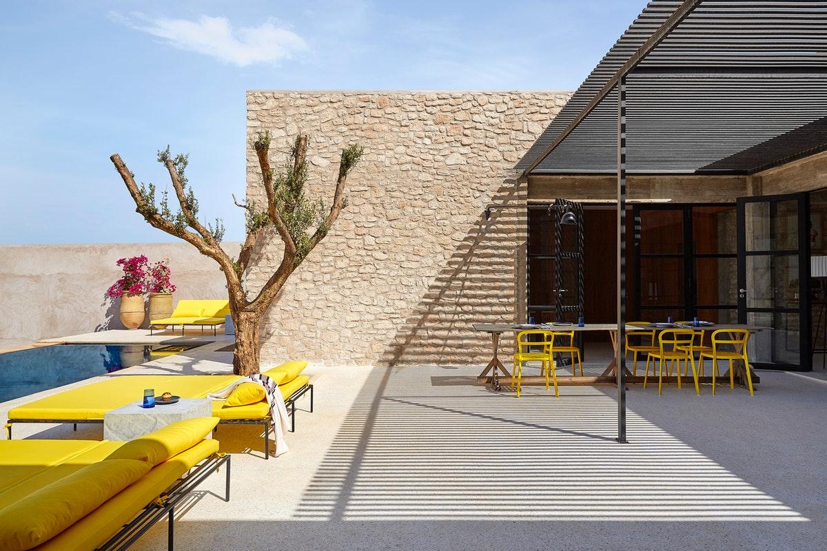 Rustic contemporan într-o vilă de la marginea deșertului, Maroc 13