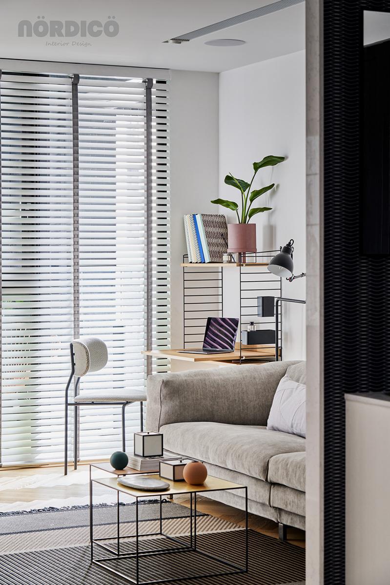 Design interior cu bucătărie neagră într-un apartament de 2 camere 12