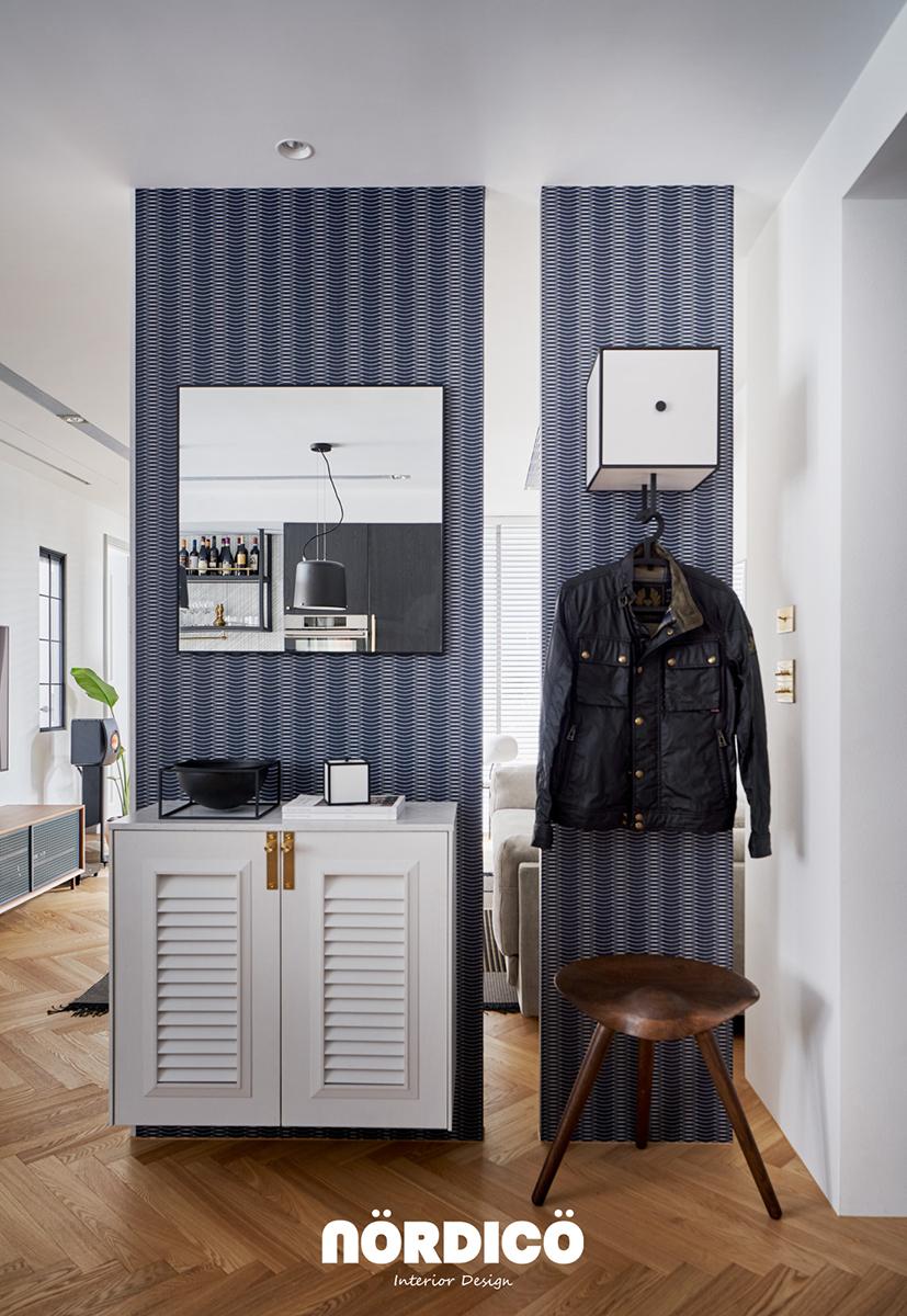 Design interior cu bucătărie neagră într-un apartament de 2 camere 20