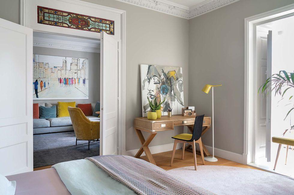 Vitralii din secolul XIX și mobilier modern într-o casă spectaculoasă din Santander 15