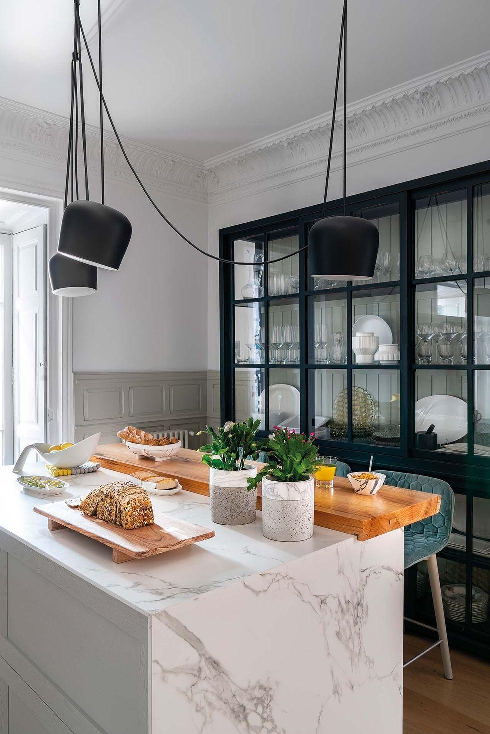 Vitralii din secolul XIX și mobilier modern într-o casă spectaculoasă din Santander 9