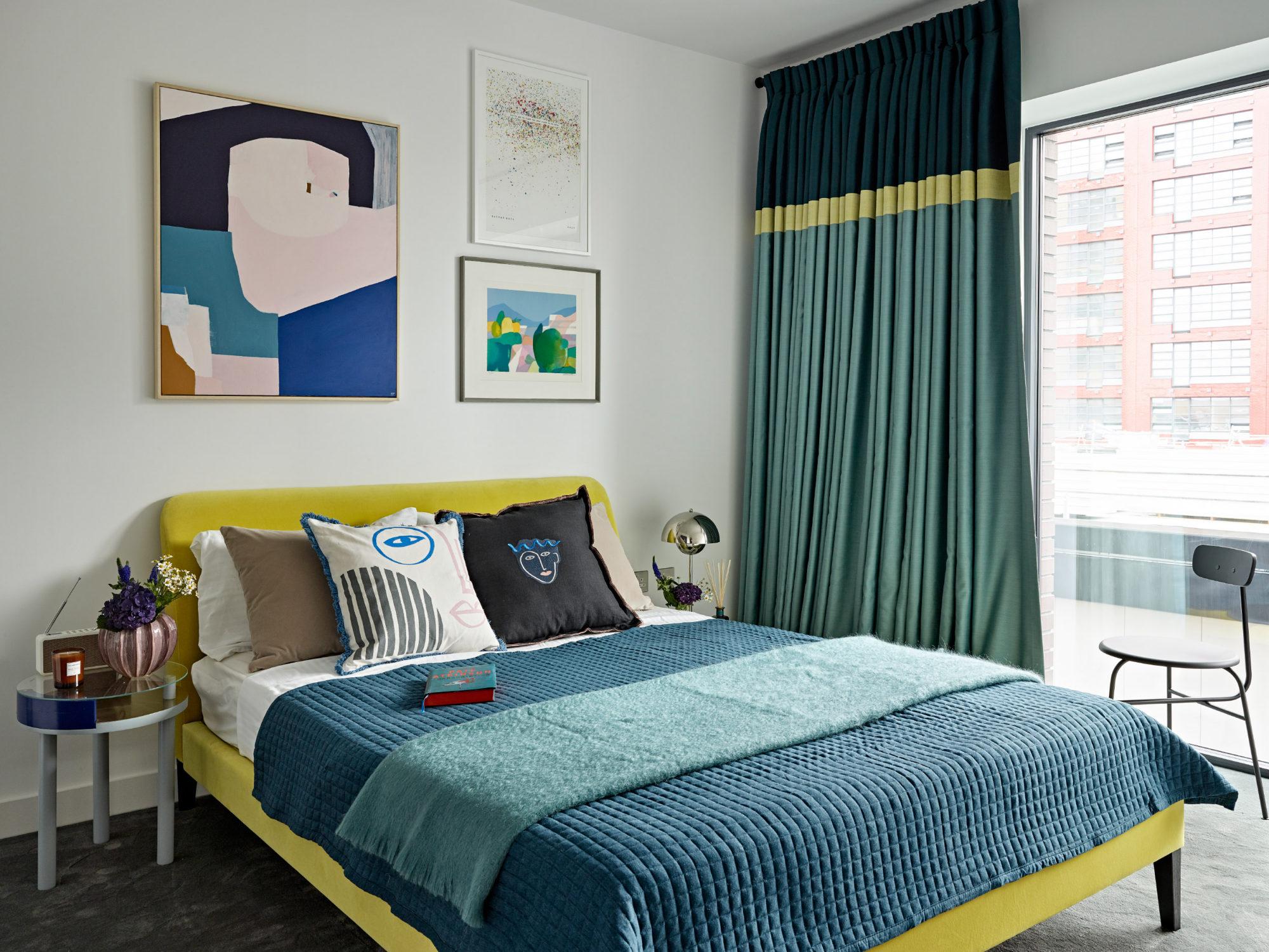 dormitor in culori retro
